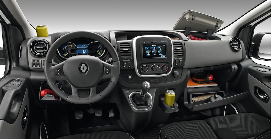 Galerie d 39 images for Renault trafic interieur