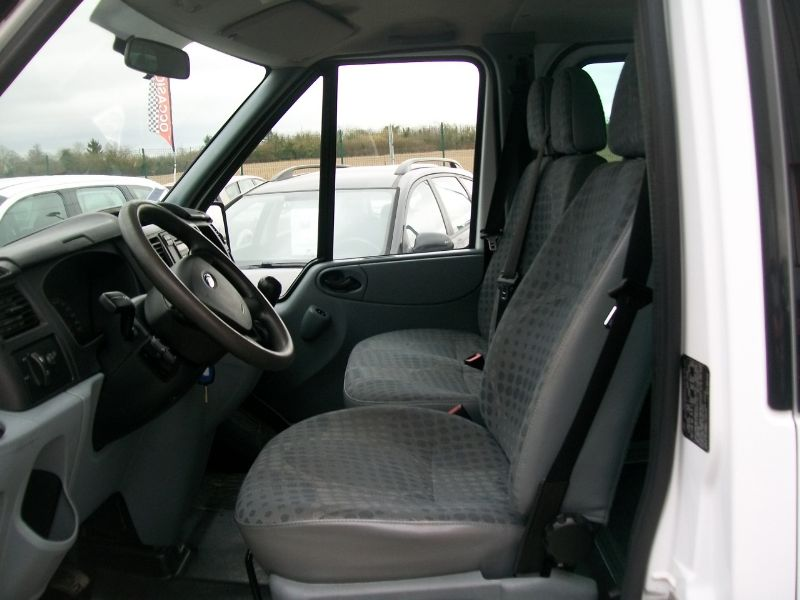 ford transit kombi 300c 2 2 tdci 85ch 9 places vendre photo 3. Black Bedroom Furniture Sets. Home Design Ideas